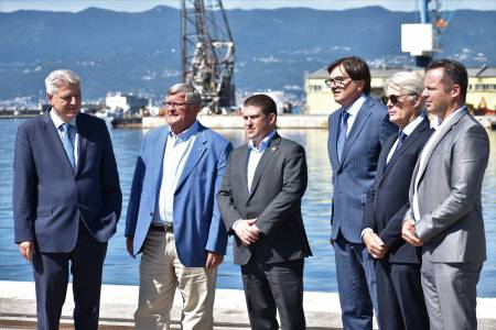 Podpis pogodbe za 35-milijonski projekt v Luki Rijeka